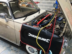 Nissan Figaro R12 A/C Re-Gas